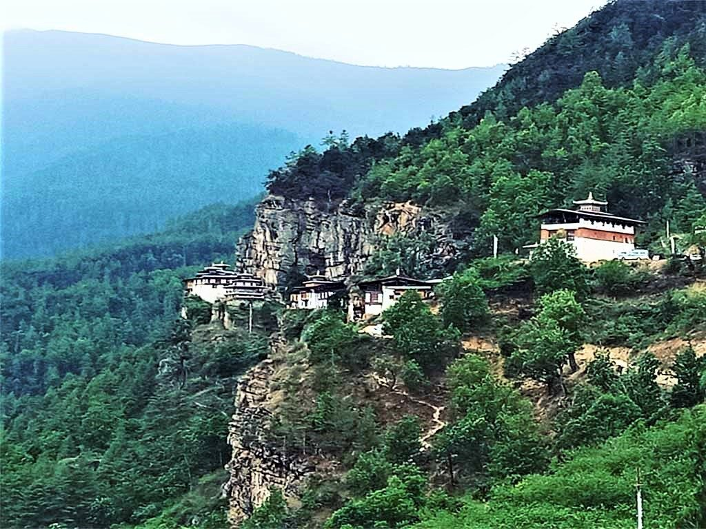 Dzongdrakha Lhakhang perched on rocky cliff edge